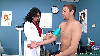 Doctor demands a big dick from her patient