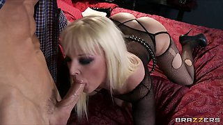 Hot Big-tit & ass blonde Emo slut Tristyn Kennedy fucks hard