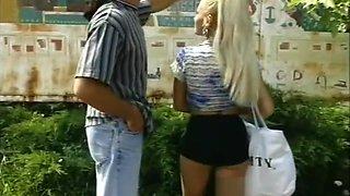 Retro couple fucks in the field - Julia Reaves