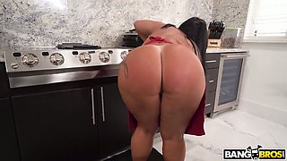 Amazing Latina MILF Monica Santhiago is so into blowing firm BBC